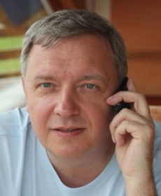 Mihails Mošenkovs – valdes priekšsēdētājs  tālrunis – 20006245  e-pasts – spirit@spirit.lv